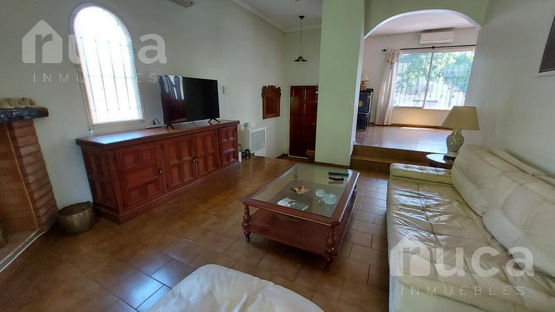 Foto Casa en Venta en  Martinez,  San Isidro  Importante casa  de 6 ambientes en el corazón de Martínez  - Córdoba al 200