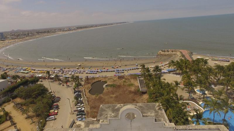 Foto Edificio Comercial en Venta en  Norte de Playas,  Playas  VENTA DE EDIFICIO EN PLAYAS CON ANTEPROYECTO