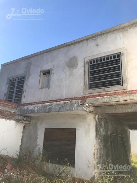 Foto Casa en Venta |  en  Moron,  Moron  Don cristobal 5200 y El rancho