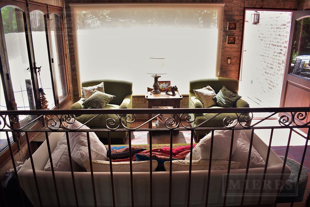 Mieres Propiedades - Casa de 410 mts. en Highland Park
