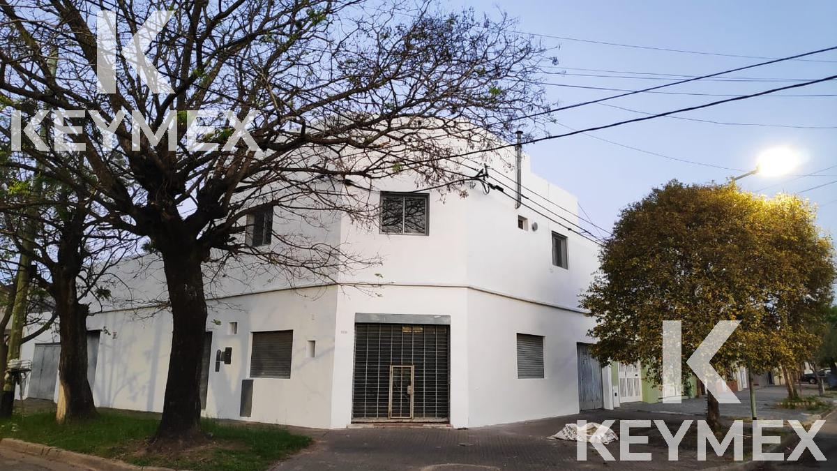 Foto Local en Alquiler en  Villa Elvira,  La Plata  5 y 75