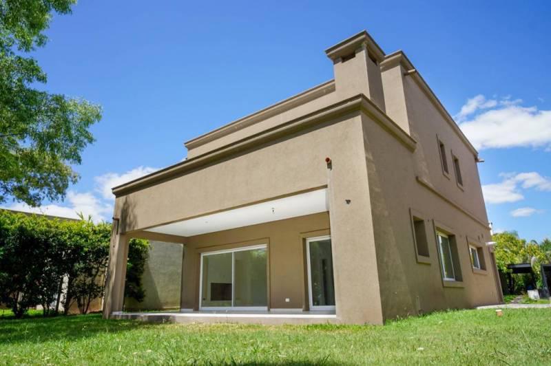 Foto Casa en Venta en  Las Orquideas,  Countries/B.Cerrado (Pilar)  Casa a estrenar en Las Orquideas – Bayugar Negocios Inmobiliarios
