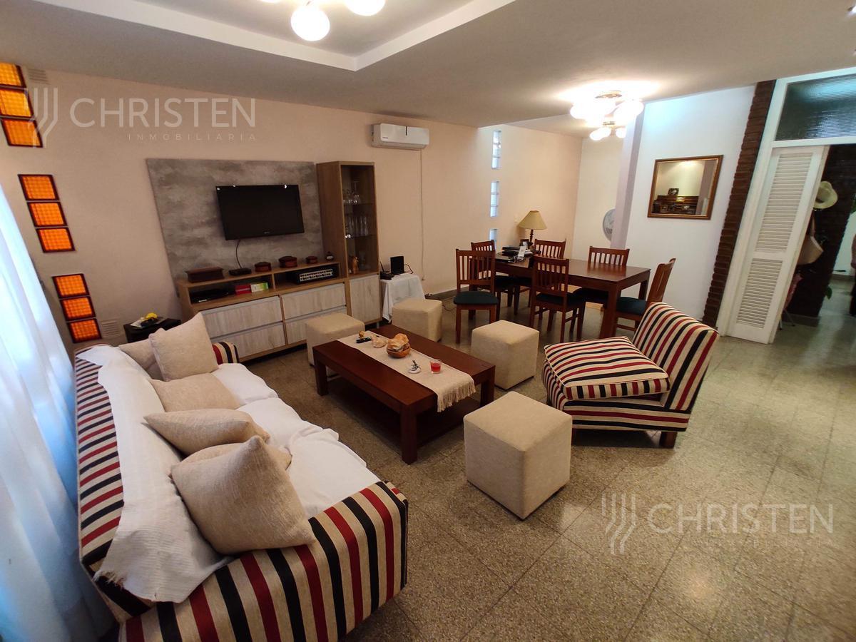 Foto Casa en Venta en  Santa Fe,  La Capital  9 de Julio al 5500