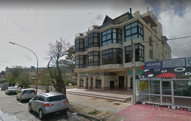 Foto Local en Venta en  Rinconada,  Piriápolis   Apartament Avda. Piria al 800 y Rambla de los Argentinos