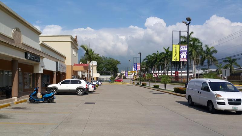 Foto Local en Renta en  Cervecería,  San Pedro Sula  Local Comercial con Auto Servicio