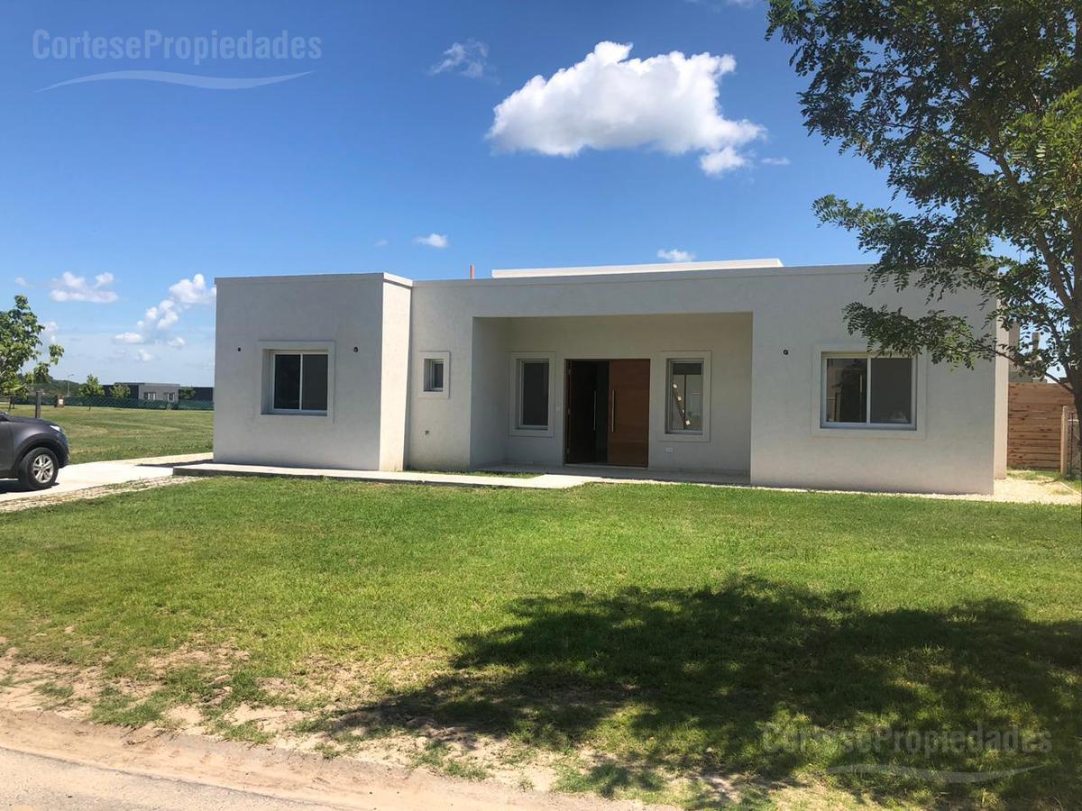 Foto Casa en Venta en  El Canton,  Countries/B.Cerrado  Barrio El Canton Islas