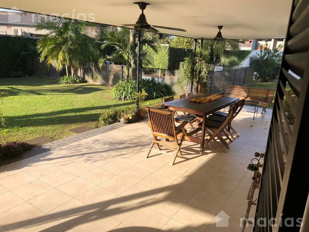 Foto Casa en Venta en  Yerba Buena,  Yerba Buena  Brasil  al 1100