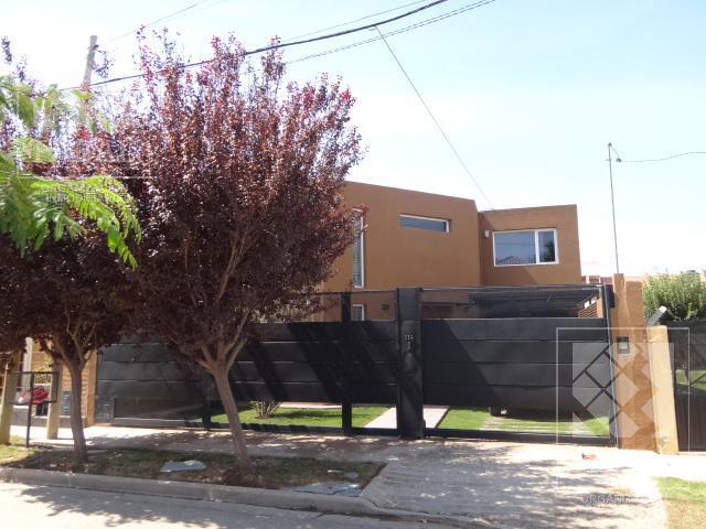 Foto Casa en Venta en  Canal V,  Capital  Andalgalá 114 - Barrio Jardín