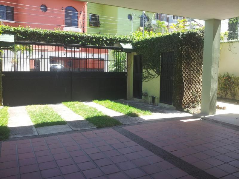 Foto Casa en Venta en  Las Lomas del Guijarro,  Distrito Central  Casa En Venta Circuito  Cerrado Lomas Del Guijarro Tegucigalpa