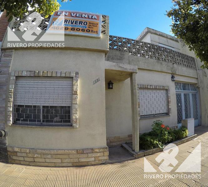 Foto Casa en Venta en  Moron Sur,  Moron  Horacio Julian  1500