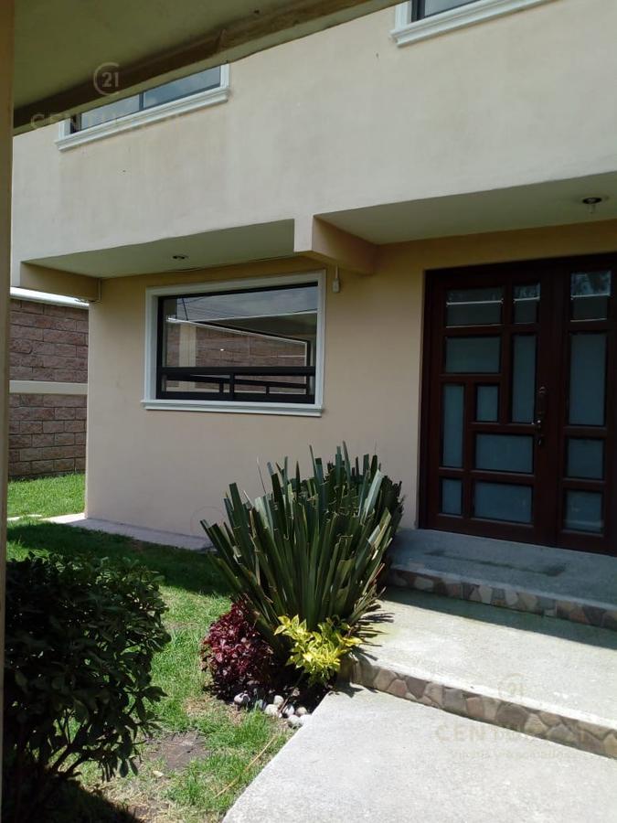 Foto Casa en Venta en  Lázaro Cárdenas,  Metepec  Casa Sola en Venta en Metepec por los Castaños