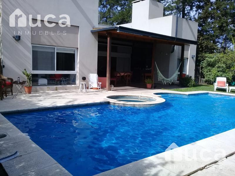 Foto Casa en Alquiler temporario en  La Arboleda (Escobar),  Countries/B.Cerrado (Escobar)  ALQUILER VERANO | Moderna CASA Racionalista con Pileta - Barrio Privado La Arboleda