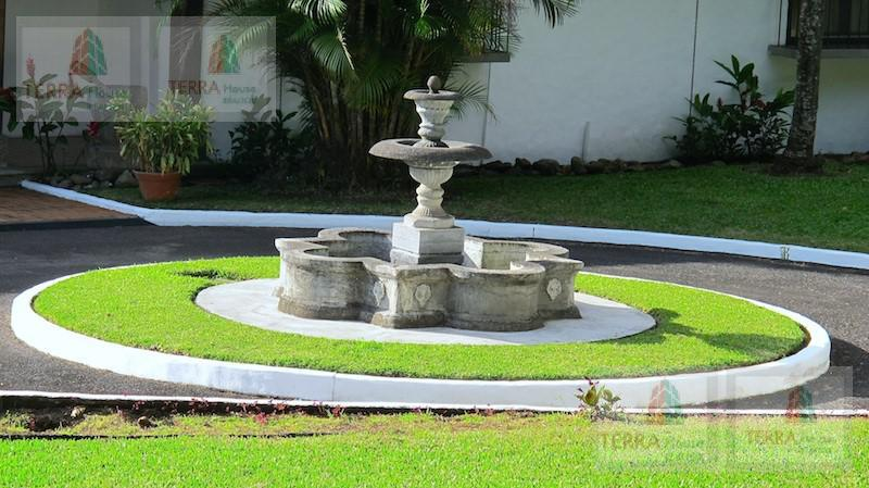 Foto Casa en Venta en  Escazu,  Escazu          Guachipelín, Hacienda Colonial