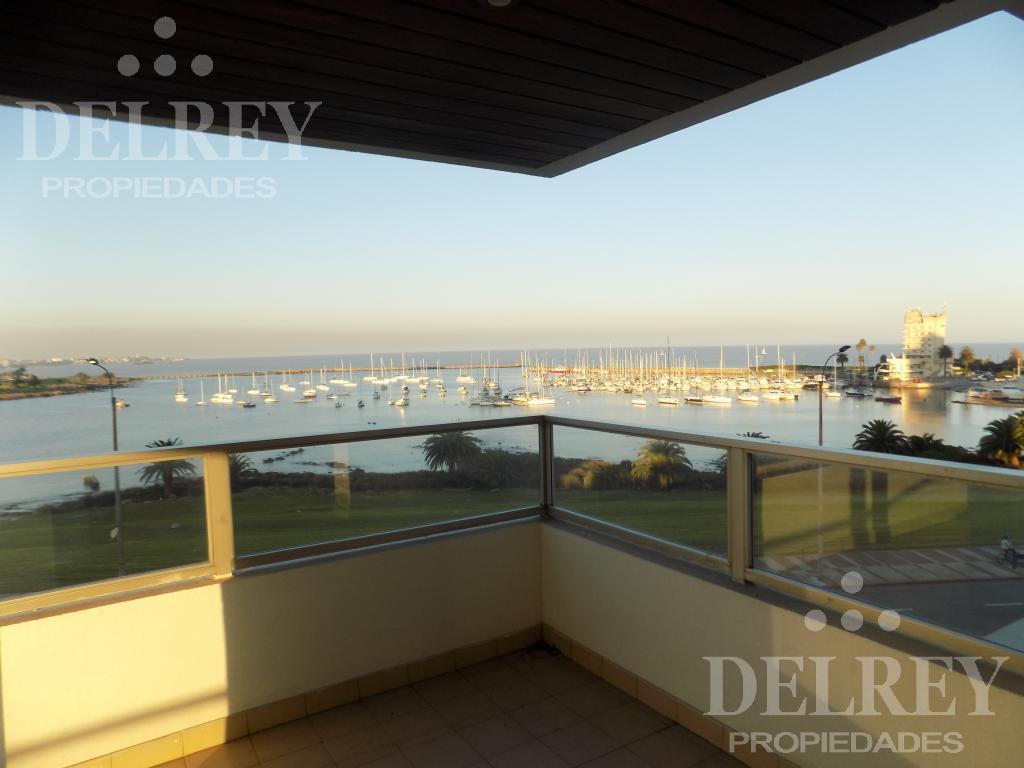 Foto Departamento en Alquiler en  Puerto Buceo ,  Montevideo  Rbla Armenia frente al Puertito