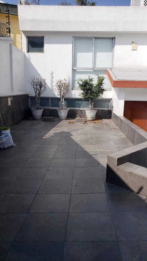 Foto Casa en Renta en  Lomas de Tecamachalco,  Huixquilucan  Fuente del Zar, casa remodelada en renta, calle cerrada con vista a la barranca (VW)
