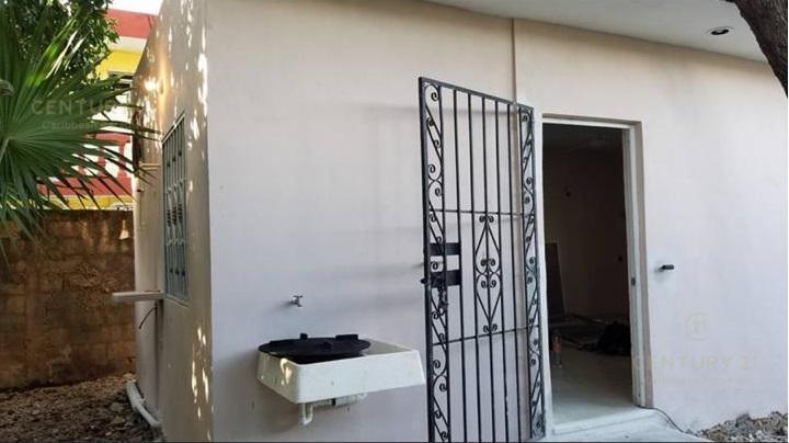 Foto Terreno en Venta en  Solidaridad ,  Quintana Roo  Increible Terreno en venta cerca de la playa y zona comercial en Playa del Carmen C2628