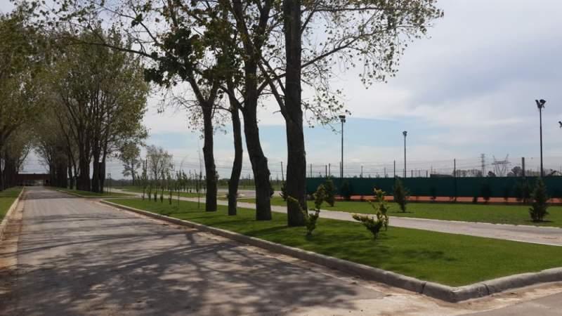 Foto Terreno en Venta en  Canning (Ezeiza),  Ezeiza  Caceres Esquina Ruta 58