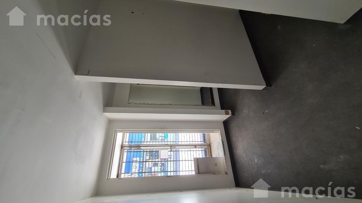 Foto Local en Alquiler en  Microcentro,  San Miguel De Tucumán  25 de Mayo al 100