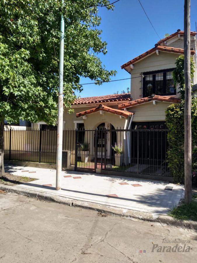 Foto Casa en Venta en  Castelar Norte,  Castelar  Mar Chiquita al 2900