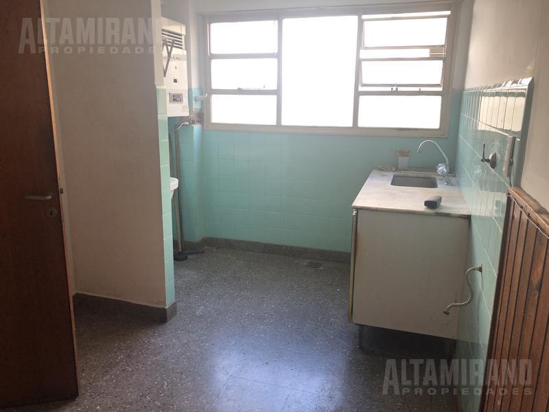 Foto Departamento en Alquiler en  Villa Ballester,  General San Martin  Chaco al 4300 1° B e/ Intendente Witcomb y Las Heras