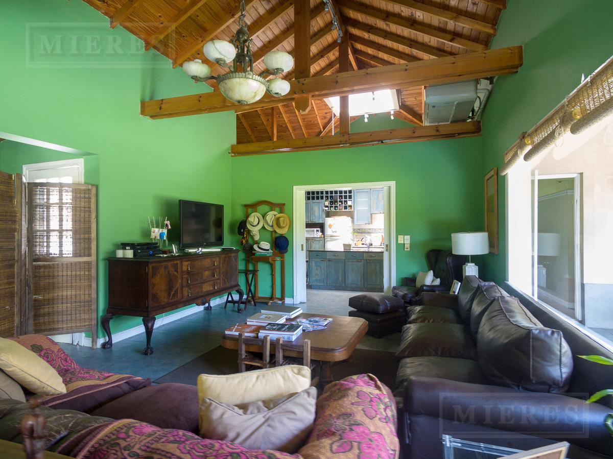 Mieres Propiedades - Casa de 466 mts. en Farm Club