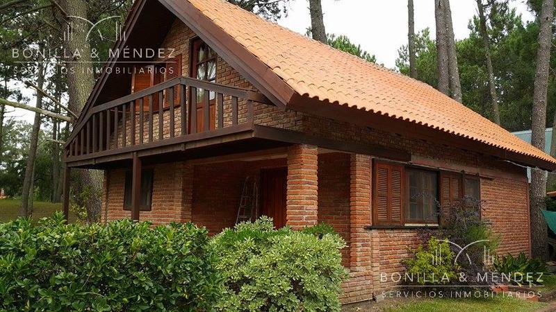 Foto Casa en Alquiler temporario en  Los Angeles,  Piriápolis  Barrio Portales