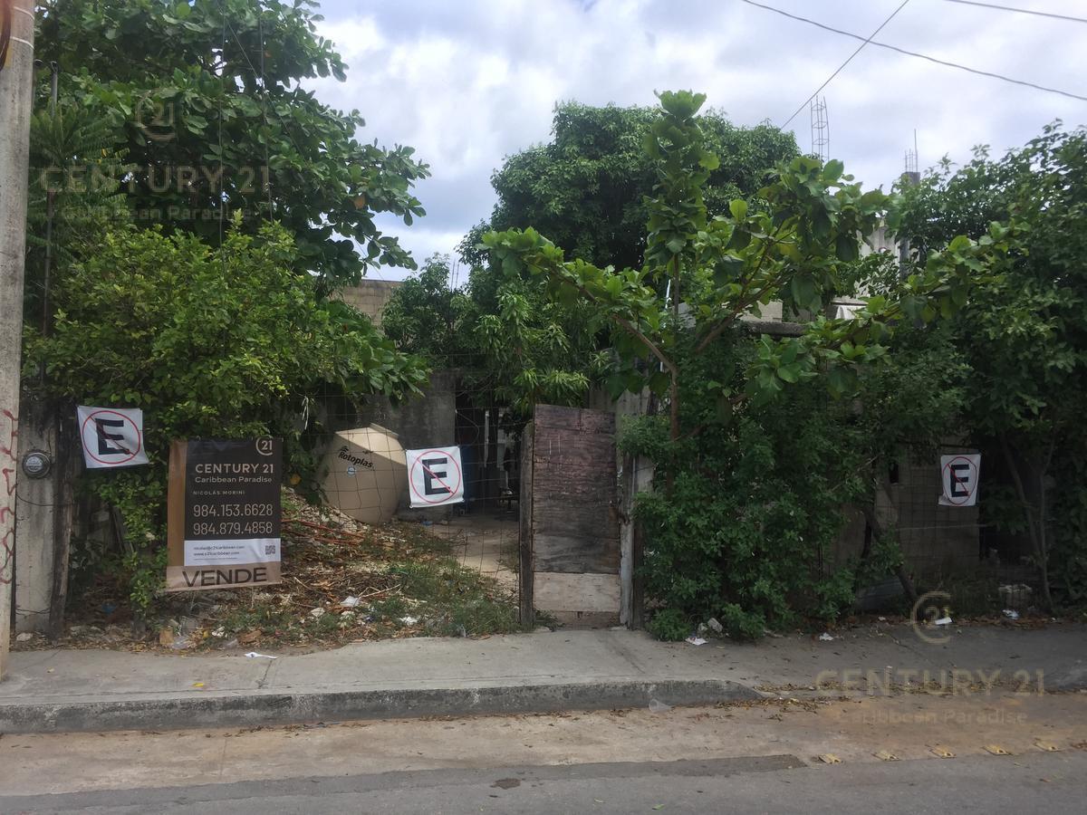 Foto Terreno en Venta en  Playa del Carmen ,  Quintana Roo  Lote de 220 m2 en Av 20 entre 56 y 58 Playa Del Carmen P2799
