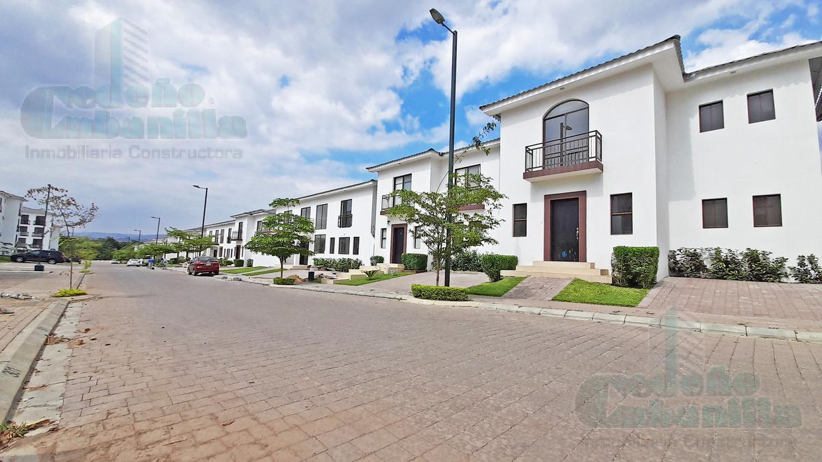 Foto Casa en Venta en  Vía a la Costa,  Guayaquil  ULTIMA VILLA VENDO  EN URB VILLAS DEL BOSQUE