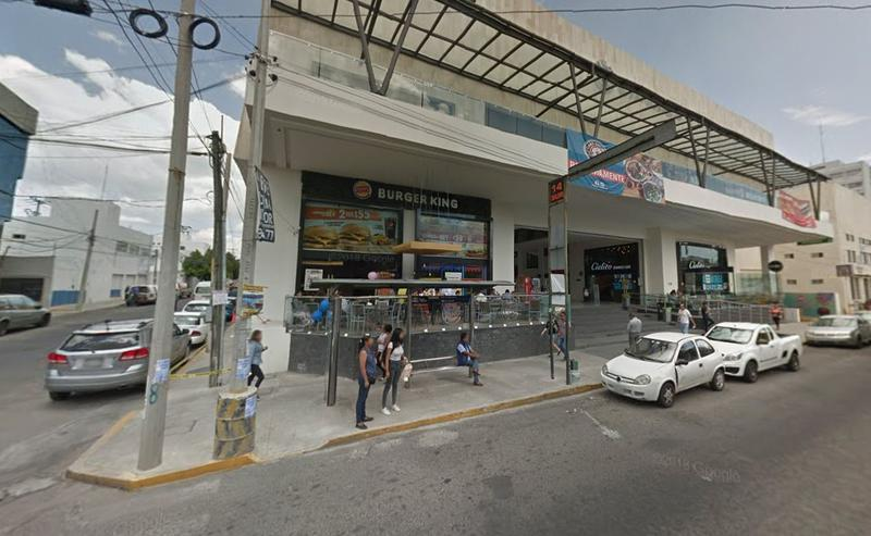 Foto Local en Renta |  en  Jardines de San Manuel,  Puebla  Local en renta en Platino Center Mirador