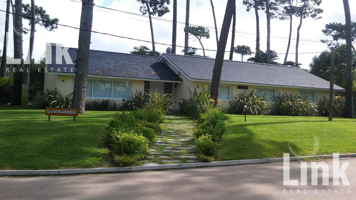 Foto Casa en Alquiler en  Playa Mansa,  Punta del Este  Playa Mansa