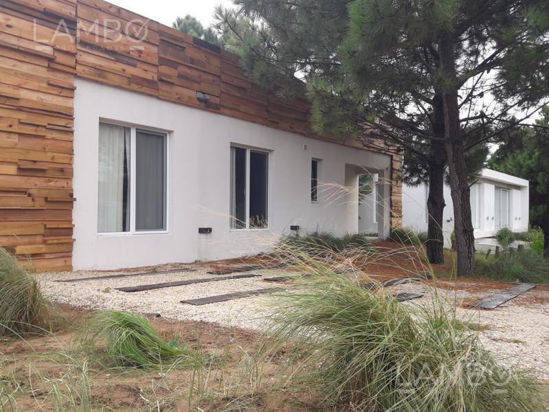 Foto Casa en Venta en  Costa Esmeralda,  Punta Medanos  VENTA Y ALQUILER TEMPORARIO VERANO 2020, Costa Esmeralda