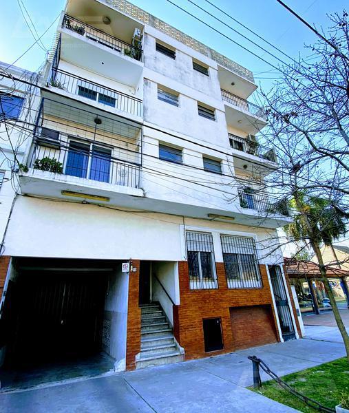 Foto Departamento en Venta en  Castelar Norte,  Castelar  Av. Sarmiento al 2200