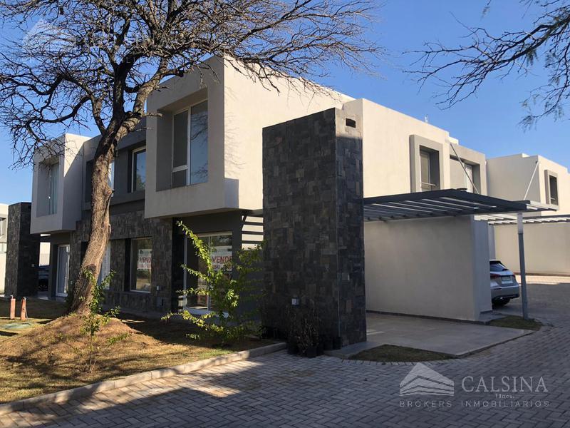 Foto Casa en Venta en  Villa Warcalde,  Cordoba Capital          El Rodeo, Casa 4, Villa Warcalde