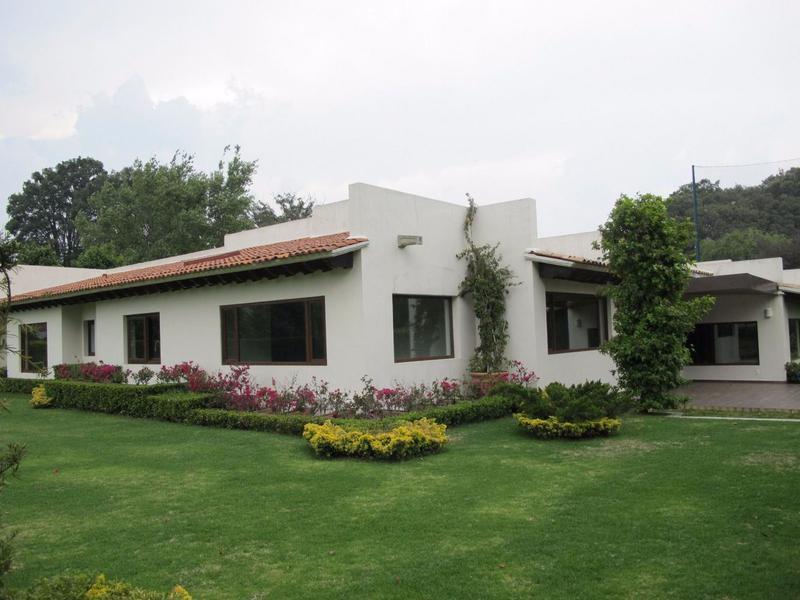 Foto Casa en Venta en  Club de Golf los Encinos,  Lerma  RESIDENCIA A ESTRENAR EN FAIRWAY EN CLUB DE GOLF LOS ENCINOS SBR 1125