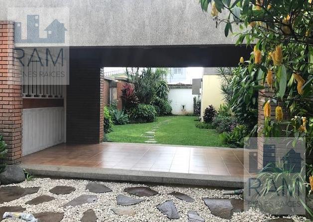 Foto Casa en Venta en  Curridabat,  Curridabat  Casa en venta en Curridabat