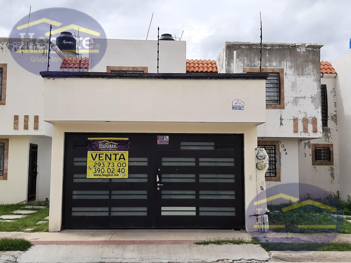 Casa en Venta por Blvd. la Luz en Jardines de San Juan León, Gto.