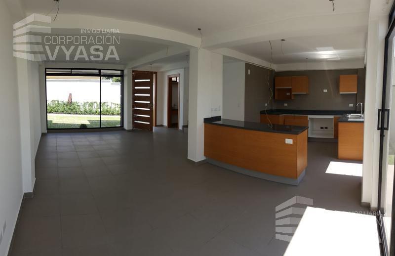 Foto Casa en Venta en  Los Chillos,  Quito  VALLE DE LOS CHILLOS - CAPELO , MODERNA Y BONITA  CASA EN VENTA, 195M2