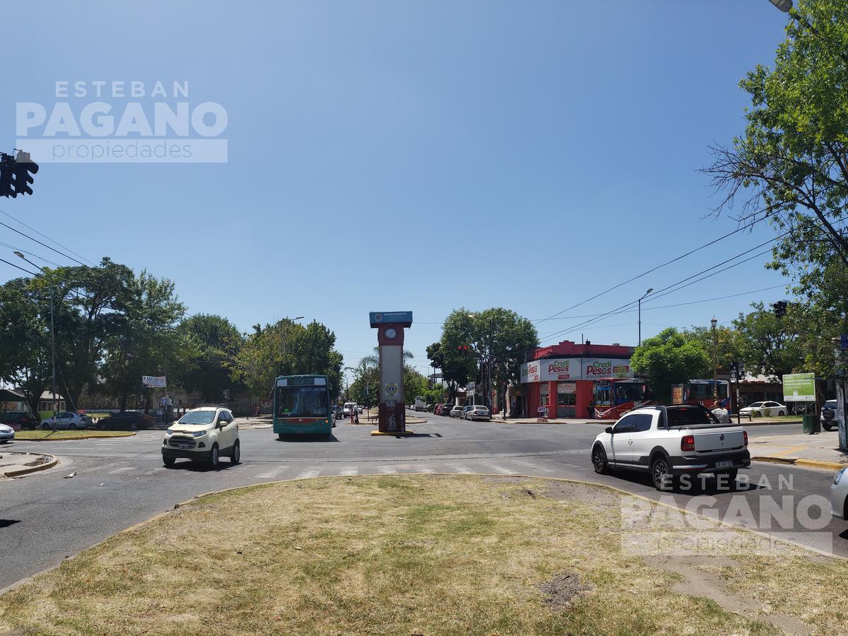 Foto PH en Venta en  Los Hornos,  La Plata  139 e/ 58 y 59