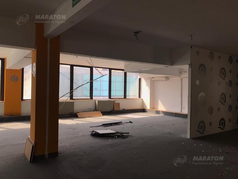 Foto Oficina en Alquiler en  Microcentro,  Centro (Capital Federal)  San Martín al 600