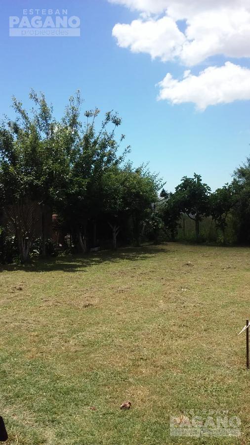 Foto Casa en Venta en  Lisandro Olmos Etcheverry,  La Plata  216 e/ 41 y 42