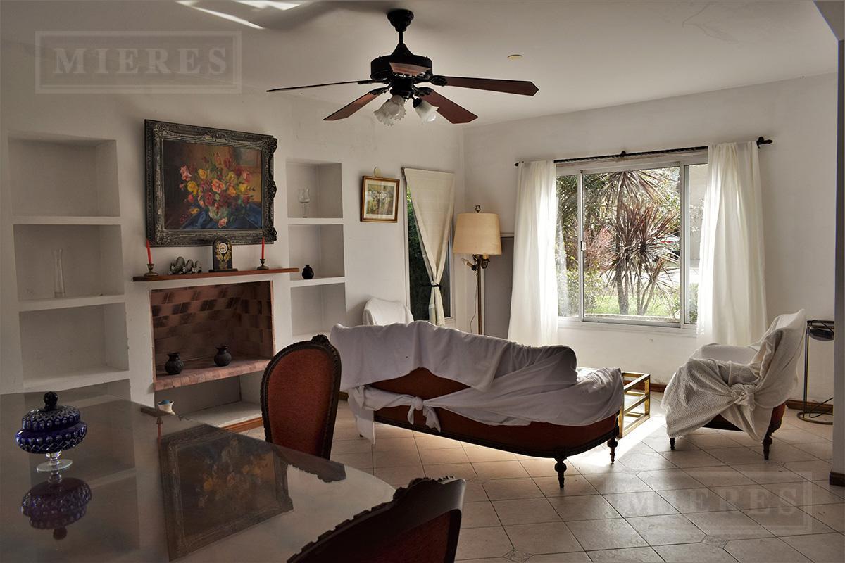 Mieres Propiedades - Casa de 250 mts en Los Sauces