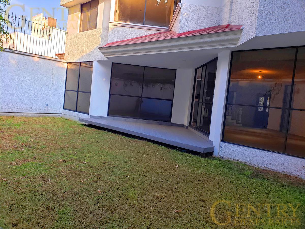Foto Casa en Venta   Renta en  Jardines en la Montaña,  Tlalpan  PRECIOSA RESIDENCIA EN  VENTA
