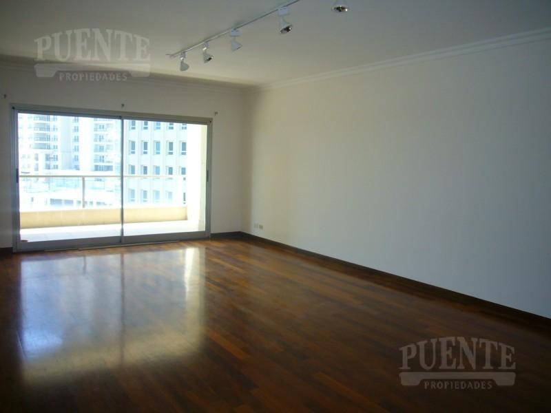 Foto Departamento en Alquiler en  Puerto Madero,  Centro  Edificio Rio Plaza 3 dormitorios, con 2 cocheras