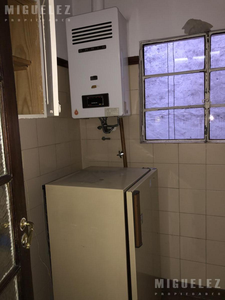 Foto Departamento en Alquiler en  Microcentro,  Centro (Capital Federal)  DEPARTAMENTO OFICINA CABA TUCUMAN 843, 5to J