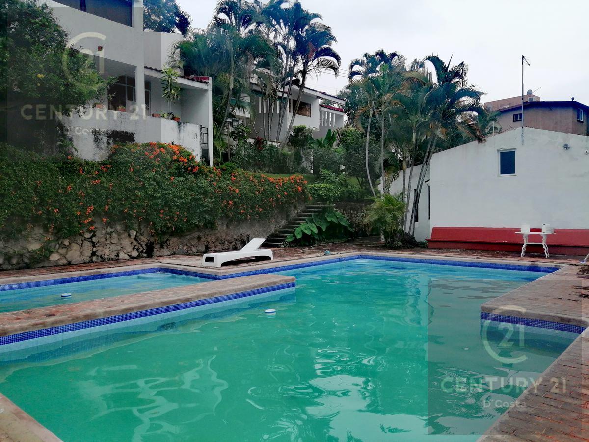Foto Casa en condominio en Venta en  Club de Golf,  Cuernavaca  Condominio Club de Golf, Cuernavaca
