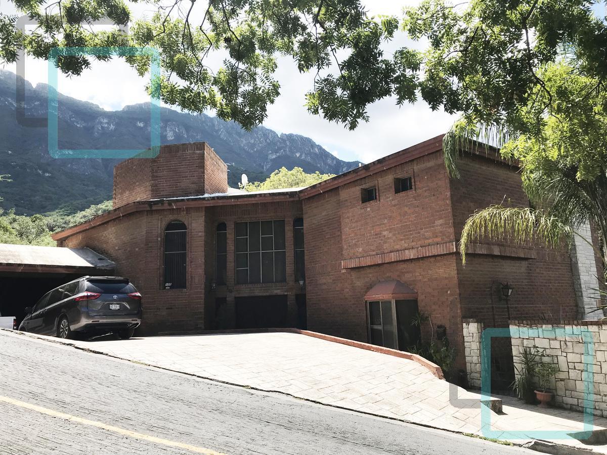 Foto Casa en Venta en  Valle de San Angel,  San Pedro Garza Garcia  CASA EN VENTA COLONIA VALLE DE SAN ANGEL ZONA SAN PEDRO GARZA GARCÍA