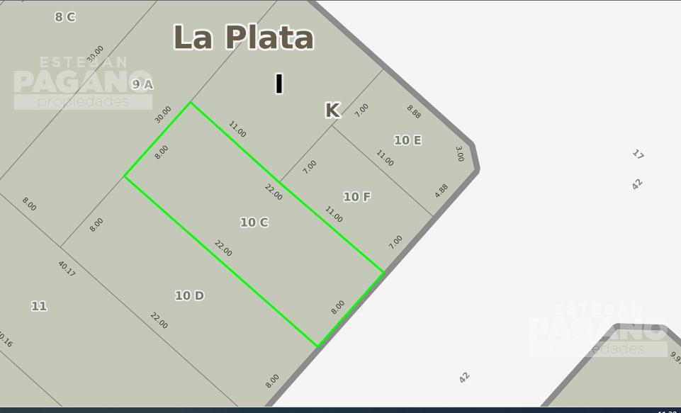Foto Terreno en Venta en  La Plata ,  G.B.A. Zona Sur  42 e 17 y 18