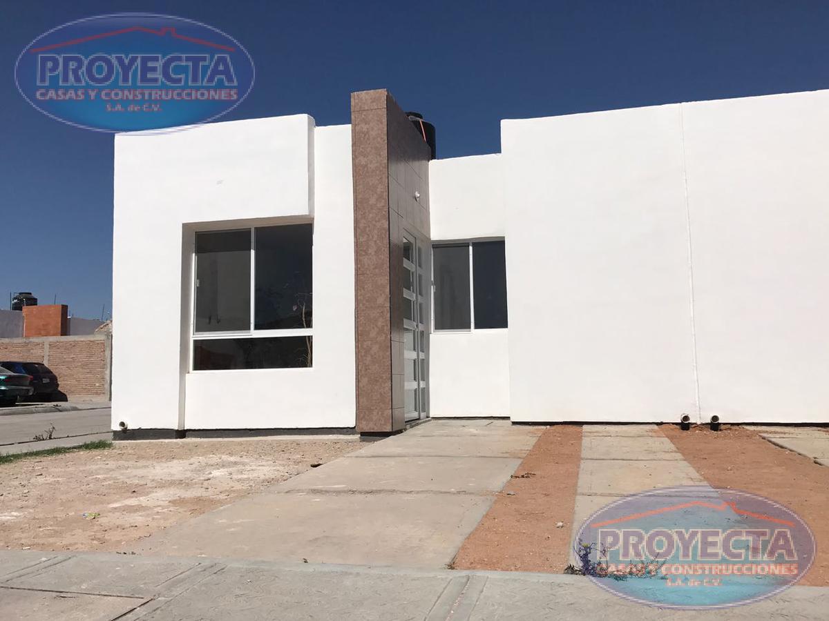 Foto Casa en Venta en  Fraccionamiento Villas de Guadiana,  Durango  CASAS EN VENTA POR SALIDA A TORREON, FRAC. VALLE DEL ROCIO