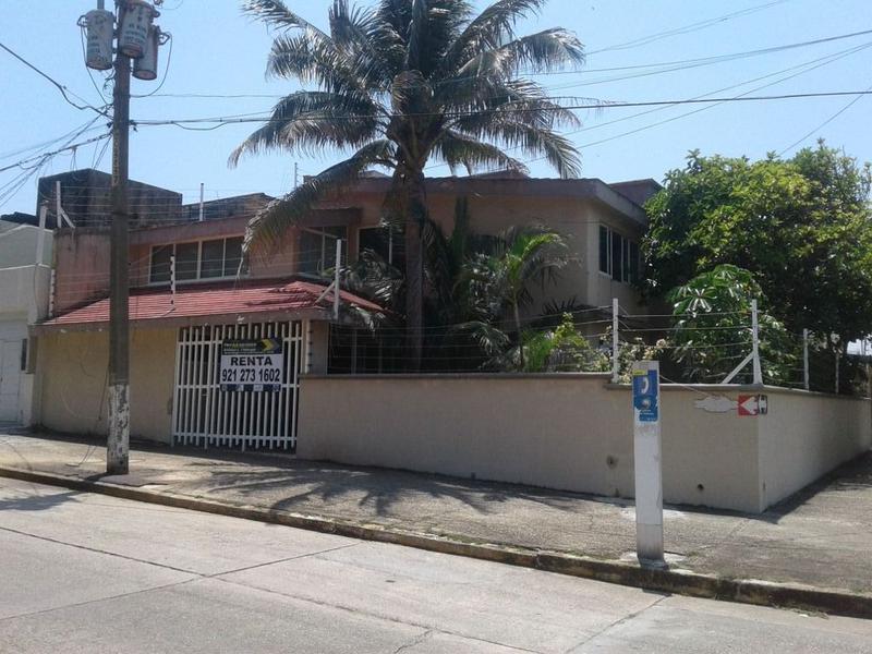Foto Casa en Renta en  Coatzacoalcos Centro,  Coatzacoalcos  BELLAVISTA ESQ. GUERRERO
