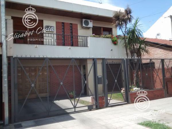 Foto Casa en Venta en  Lanús Este,  Lanús  Ayacucho al 1400